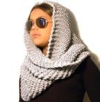 DSC_0601 sjaal grijs hoofd
