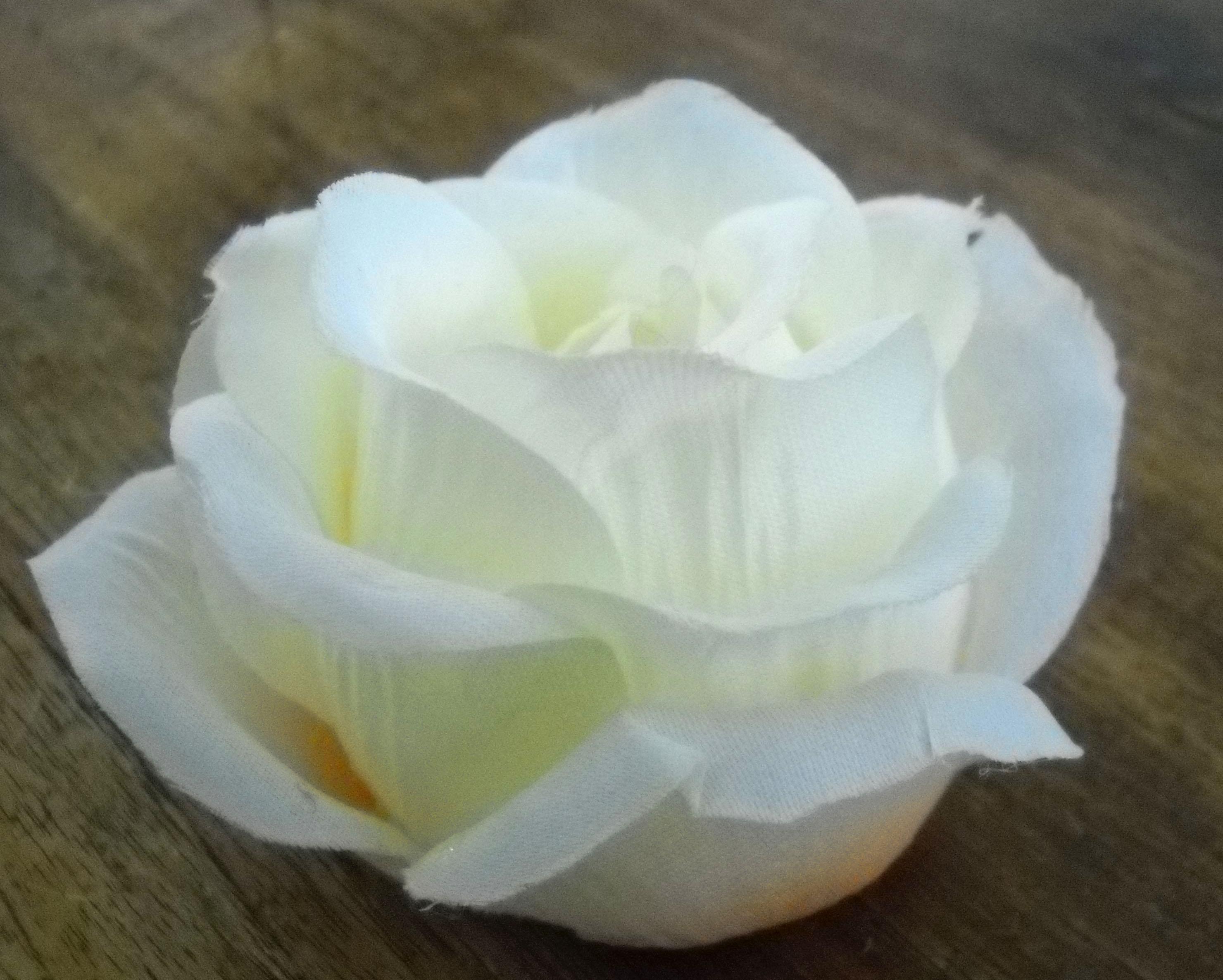 Tafeldecoratie voor je bruiloft een theelicht roosje om for Decoratie bruiloft zelf maken