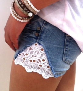Jeans shorts with lace