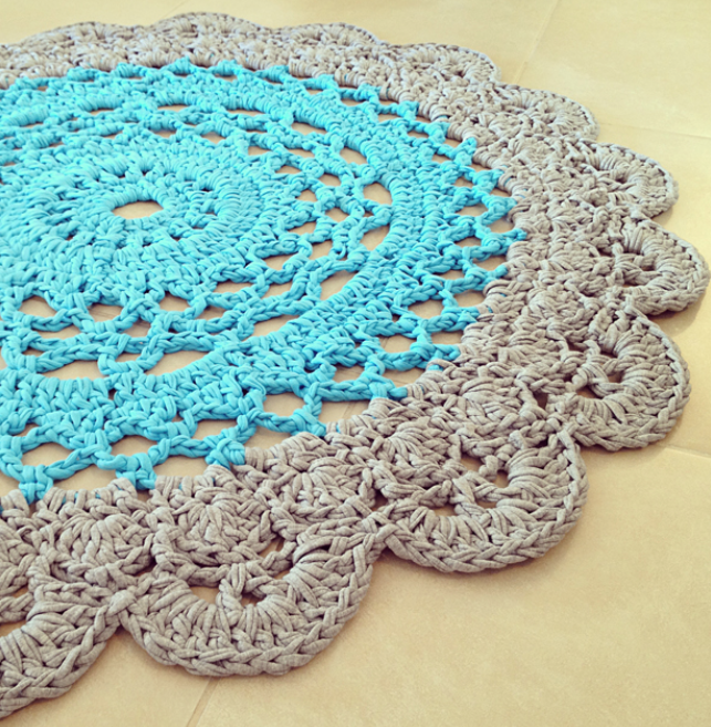 Crocheting A Rug : ... this great doily rug pattern. This pattern is from Creative Jewish Mom