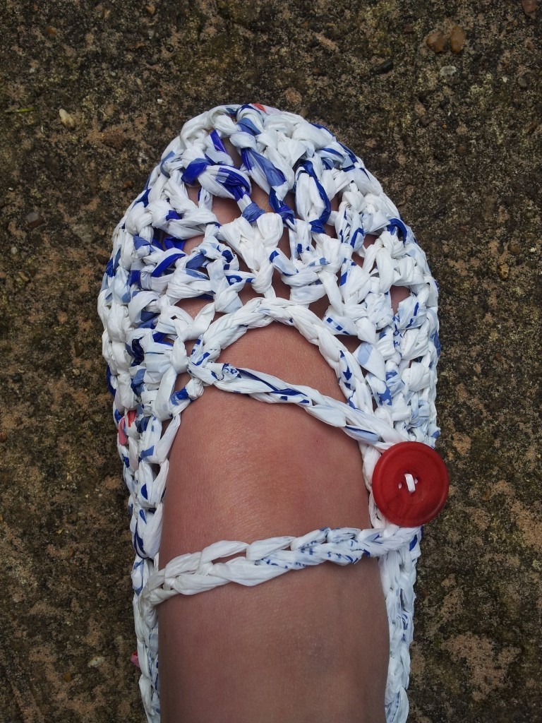 Crochet slippers made with T-shirt yarn | LVLY