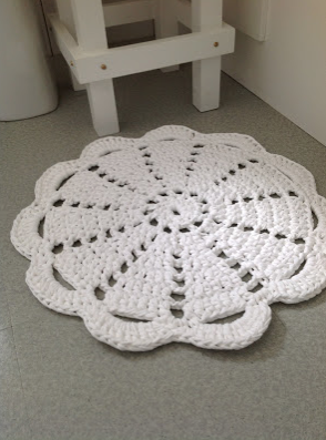 Free crochet doily rug pattern LVLY